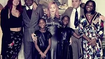 Мадона сподели снимка на шестте си деца