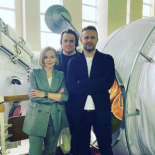 Актрисата Юлия Пересилд ще снимат филм на борда на МКС