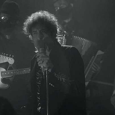Боб Дилън се завърна на сцената онлайн