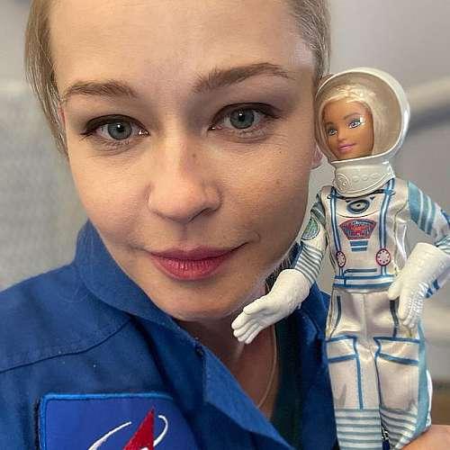 Завърналите се от МКС  руски актриса и режисьор са преизпълнили плана за снимки