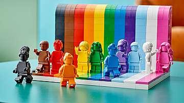 Лего пуска конструктор, посветен на ЛГБТ+ общността и многообразието