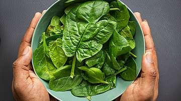 Една чаша зелени листни зеленчуци на ден пази от сърдечни заболявания