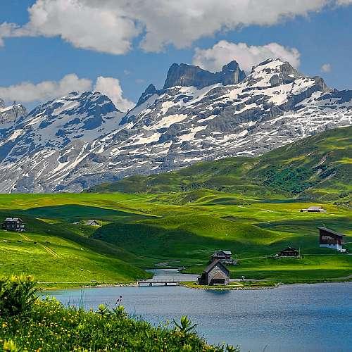 Топенето на ледници е довело до образуването на 180 нови езера в Швейцария