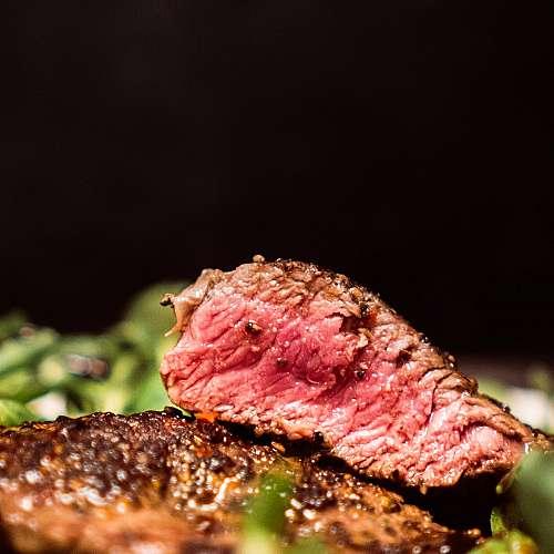 Червените и преработените меса повишават риска от сърдечни заболявания