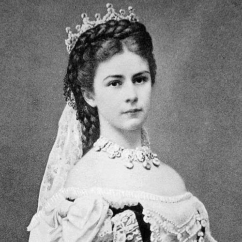 Бельо на австрийската императрица Елизабет ще бъде предложено на търг