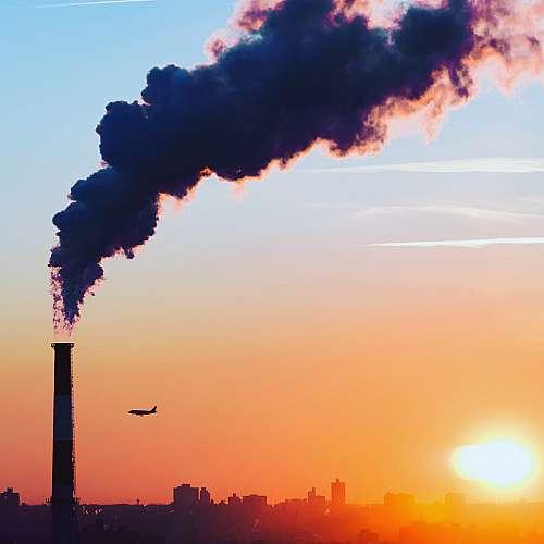 Мръсният въздух допринася за сериозни усложнения при заболели от Covid-19
