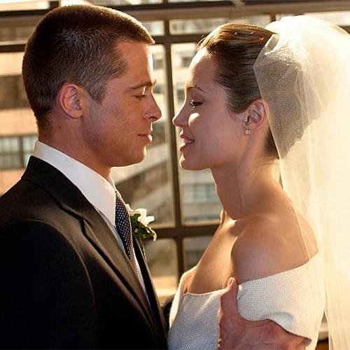 Брад Пит и Анджелина Джоли вече официално са съпрузи