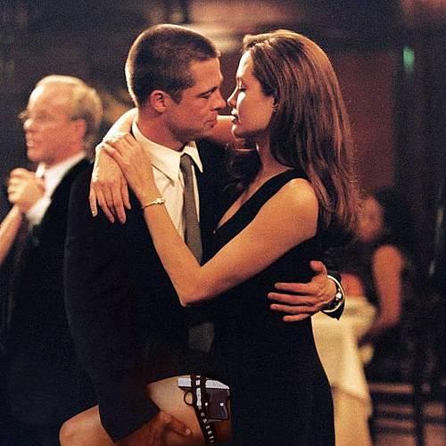 Клюки: Брад Пит и Анджелина Джоли се венчаха на Коледа?
