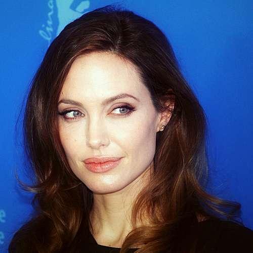 Анджелина Джоли атакува съдия по бракоразводното дело с Брад Пит