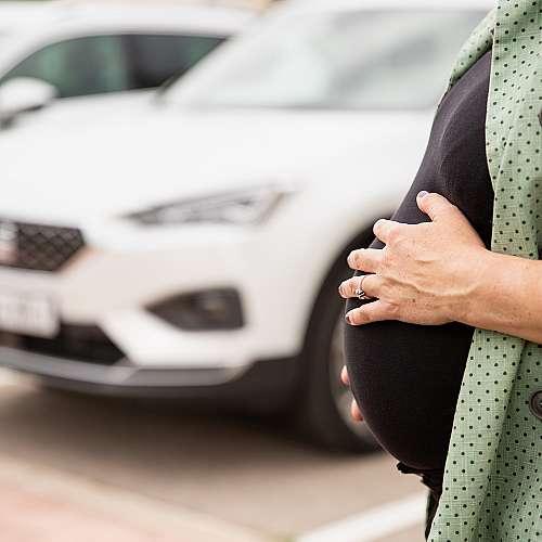 Първото пътуване с кола на новороденото