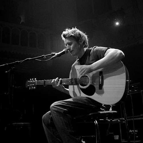 Бен Хауърд оглави британската класация за албуми