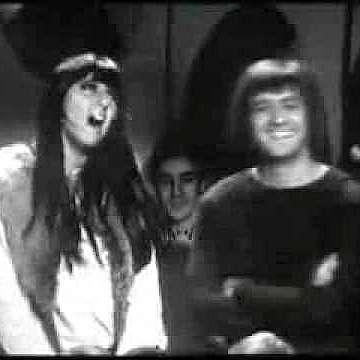 Шер съди наследниците  на Сони Боно за приходи  от техни общи песни