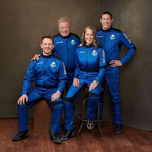 Уилям Шатнър стана най-възрастният човек, полетял до космоса