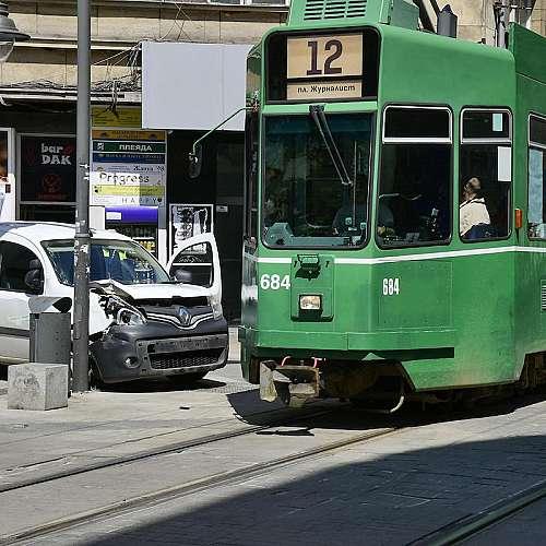 """Катастрофа с трамвай на площад """"Славейков"""" (снимки)"""