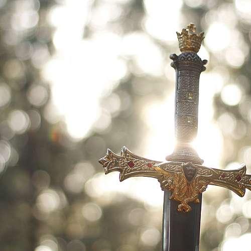 Израелски водолаз  откри рицарски меч  на 900 години