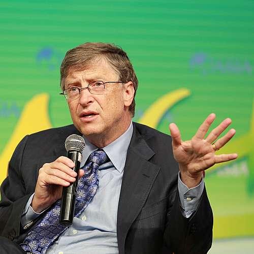 Бил Гейтс - легендарният информатик превърнал се във филантропа-милиардер