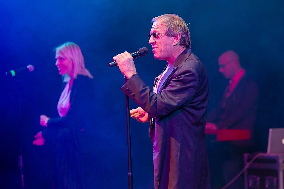 Kонцертно изпълнение на италианската поп легенда Адриано Челентано в Одеса, Украйна на 1 ноември 2019 г.