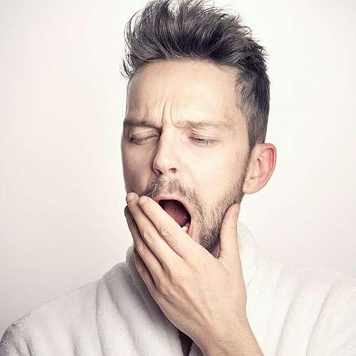 Учени разкриват колко продължават ефектите от хроничното недоспиване