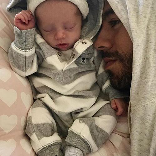 Анна Курникова и Енрике Иглесиас станаха родители за трети път