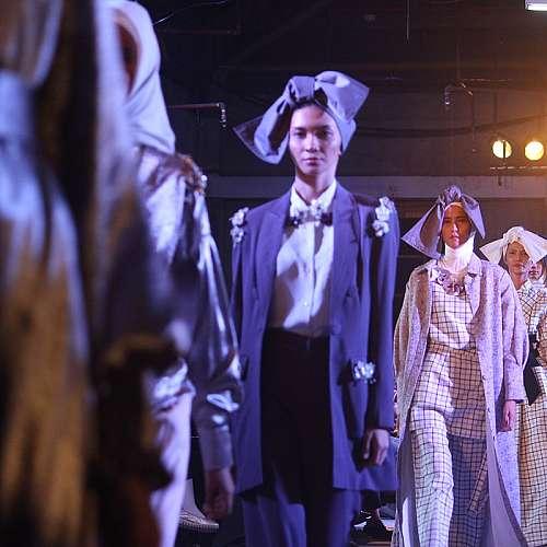 Седмицата на модата в Париж се завръща към спектакъла