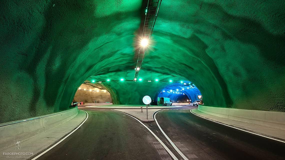 Тунелът Eysturoyartunnilin и първото подводно кръгово кръстовище
