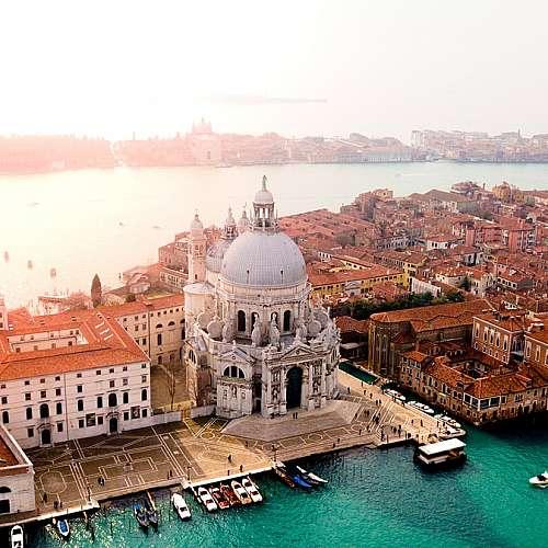 Венеция отбелязва 1600 години от основаването си под сянката на пандемията
