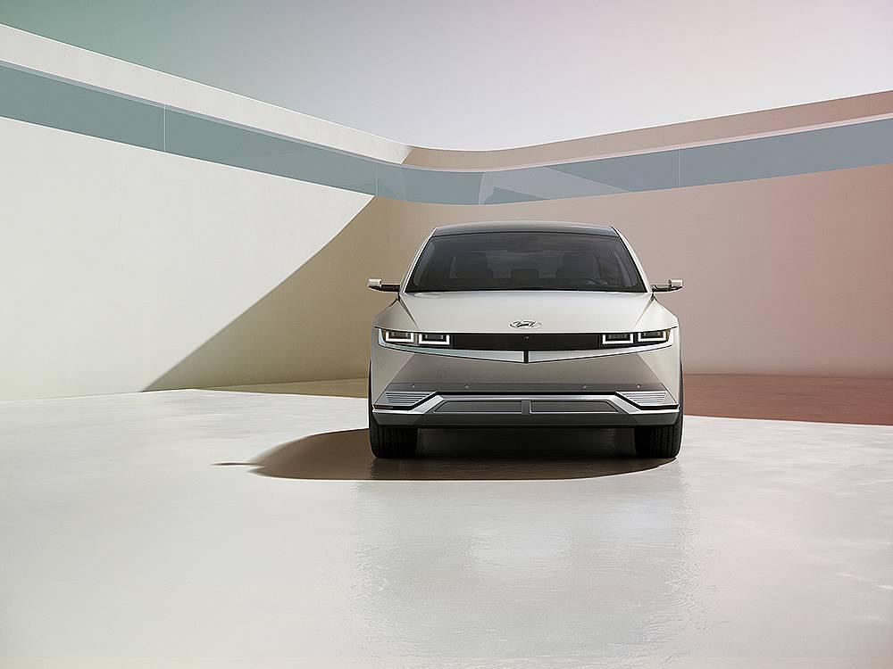 Hyundai IONIQ 5 предефинира начина на живот на електрическата мобилност