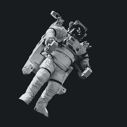 """Компанията """"Върджин галактик"""" отлага редовните полети за космически туристи"""