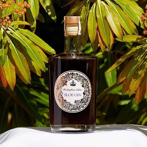 Бъкингамският дворец пуска своя марка джин с плодове от Източна Европа