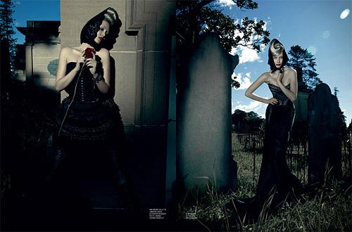 Черните вдовици Лаура и Рейчъл за Karen Magazine