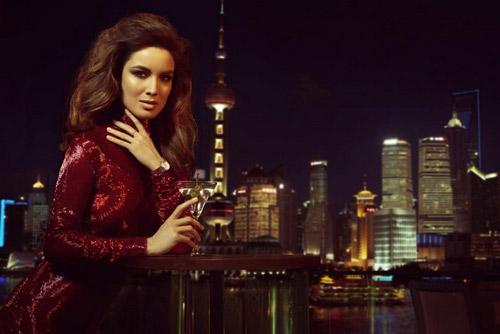 Снимки на Berenice Marlohe за рекламата на Omega