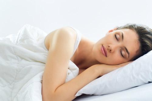 здраве спяща жена