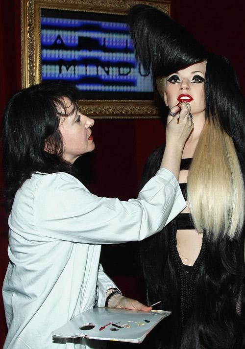 свежо Лейди Гага с нова восъчна фигура в музея Grevin 2013
