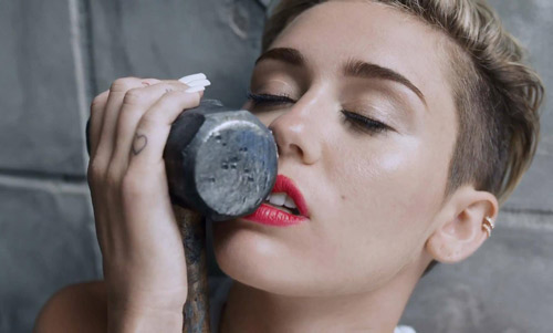 Miley Cyrus Wrecking Ball Music Video 2013