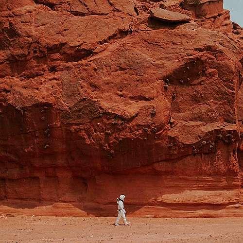 Експеримент за симулиране  на живота на Марс започна  в пустинята в Южен Израел