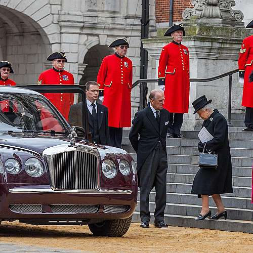 """Принц Филип - """"сила"""" и """"опора""""  на британската  кралица"""