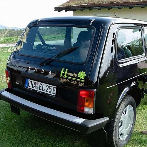 Немски стартъп произвежда електрическа Lada Niva