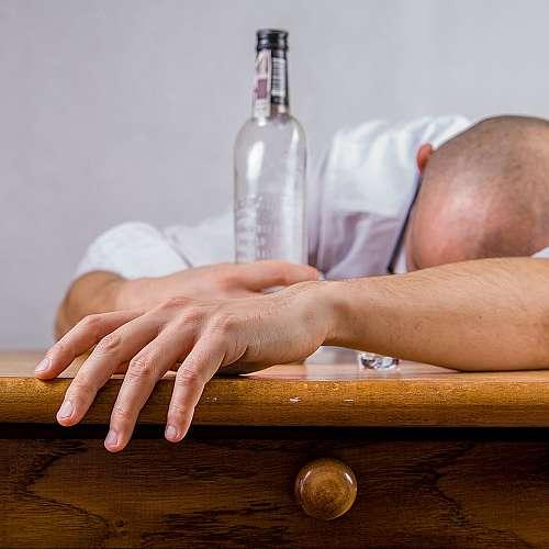 Кетодиетата помага при отказ от алкохол