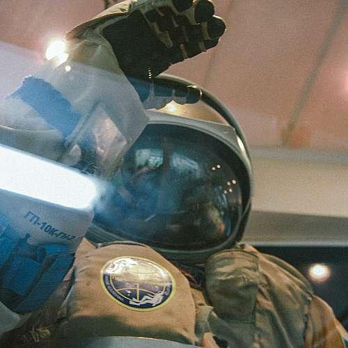 Русия изпраща екип за заснемане на първи игрален филм в космоса