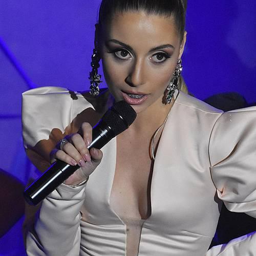 Михаела Маринова представи дебютния си албум