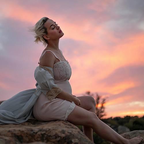 Кейти Пери публикува снимка по бельо 4 дни след като роди
