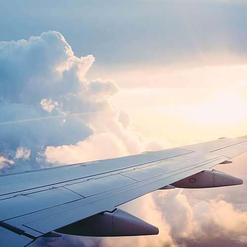 Starlink преговоря с авиокомпаниите за пускане на Wi-Fi в самолети