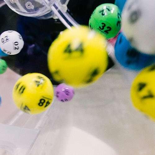 Жена спечели един милион долара от лотарията за ваксинирани срещу COVID-19