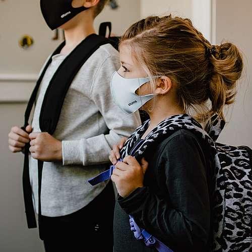 Няма научни доказателства, че носенето на маски вреди на здравето на децата