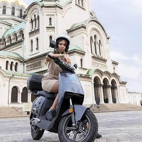 Shareascoot пуска още 30 електрически скутера в София