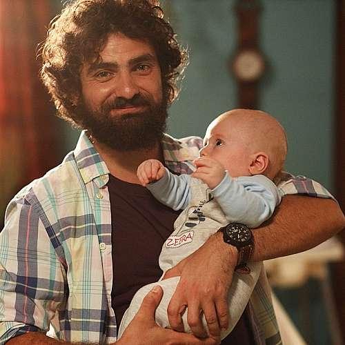 "Стоян Дойчев oт ""Татковци"" ще става татко на близнаци"