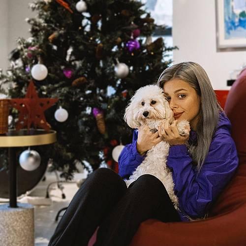 Певицата Виктория с коледен концерт на колела в София на 20 декември