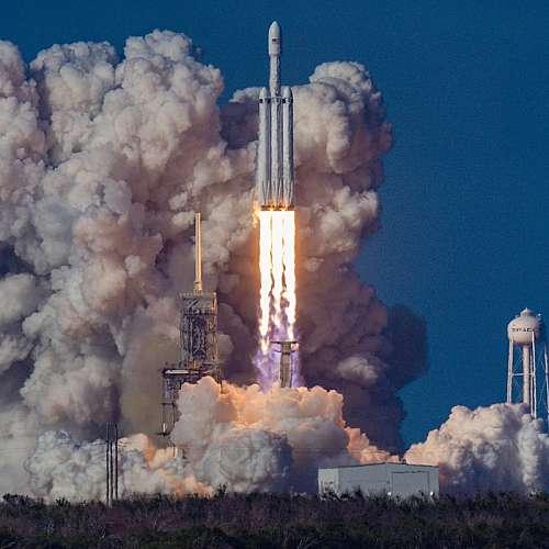 """""""Върджин галактик""""  получи разрешение да продължи космическите си полети"""