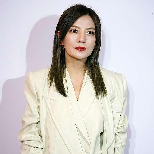 Китайската актриса Чжао Уей отрече в Инстаграм да е избягала във Франция